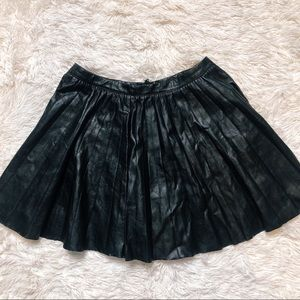 H&M pleated faux leather skirt sz medium